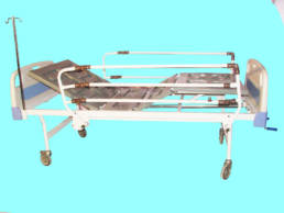 تخت بیمارستانی سه شکن مکانیکی - کد 104